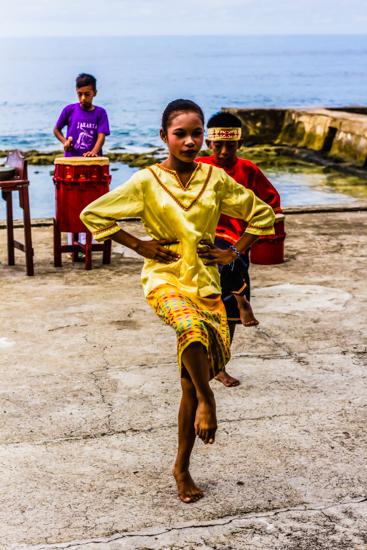 ambon dance