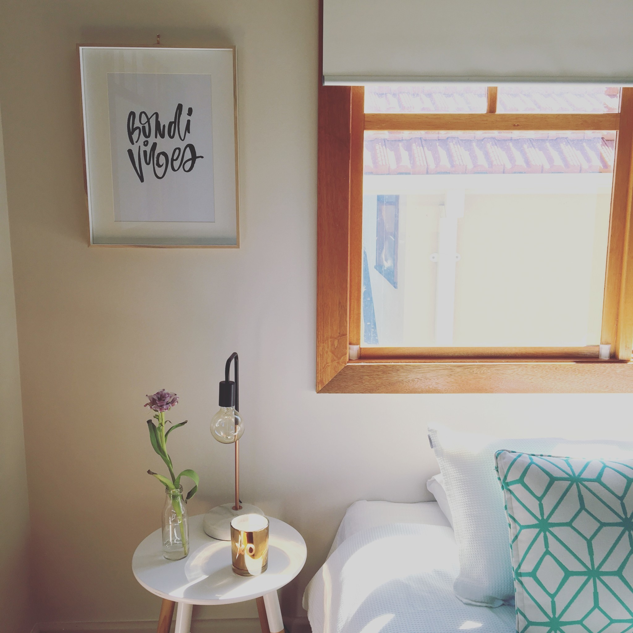 Guests call one of five cosy guest rooms their own at Bondi Yoga House. Image © Bondi Yoga House