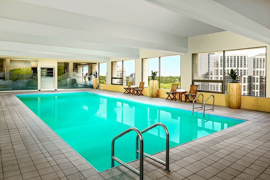 the-fit-traveller-the-westin-calgary-pool