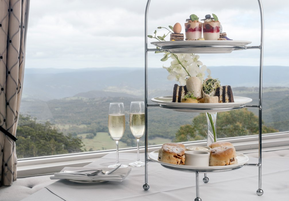 high tea in the blue mountains