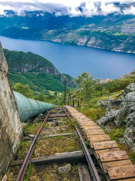 best hikes in norway fjorli
