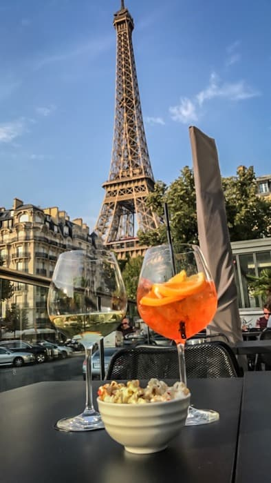where to have cocktails in Paris