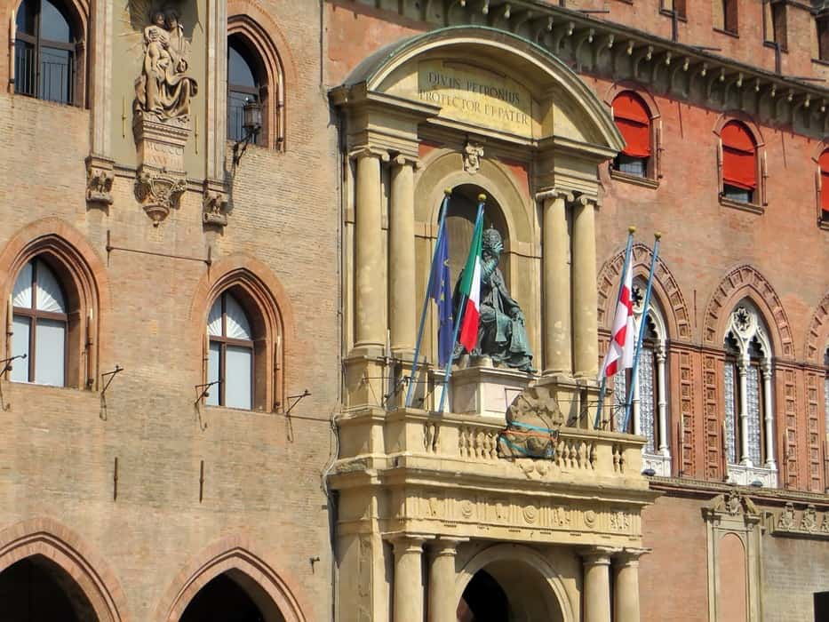 things to see in Bologna