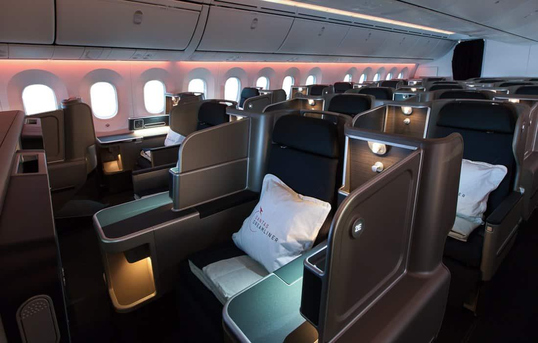 Qantas Dreamliner Business Class Review | Melbourne to Los