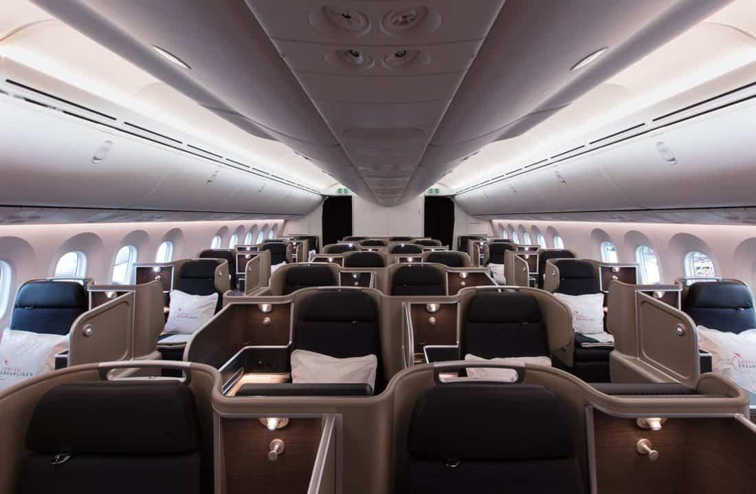 qantas dreamliner business class seats