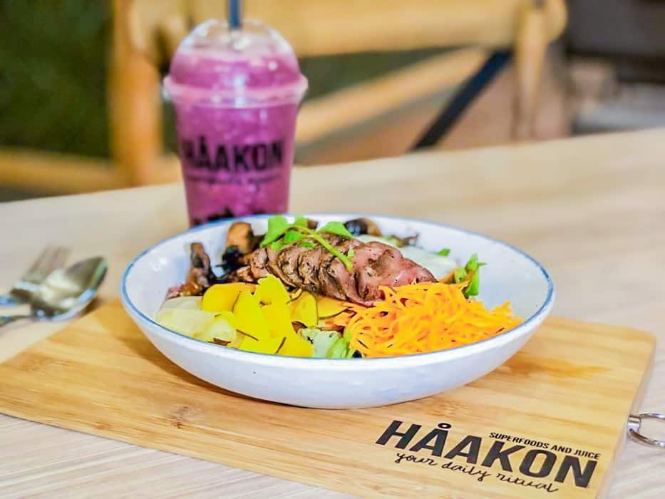 healthy cafes singapore